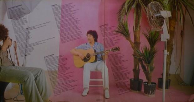 Lors de la prise de vues avec Laurent Voulzy en studio de la pochette Le Coeur Grenadine